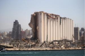 مرفأ بيروت بعد الانفجار (رويترز)